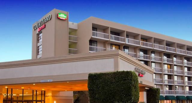 Oxnard-CourtyardbyMarriott